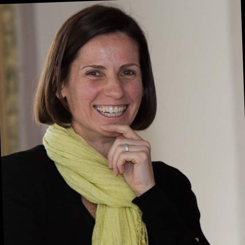 Vikki Leach